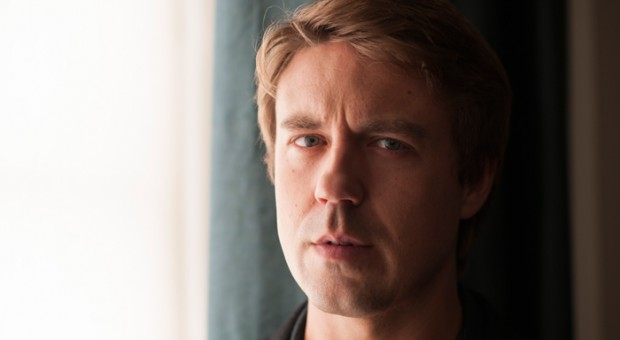"4 Questions with ""THE HONORABLE WOMAN"" Star Andrew Buchan"