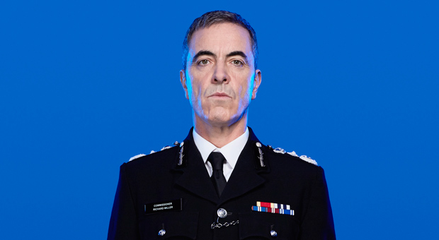 Babylon_DR_James-Nesbitt_620x340