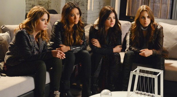"""Pretty little Liars"" on ""THE WRITERS' ROOM"": Videos, Quizzes and Photos"