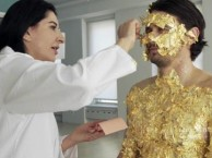 Performance artist Marina Abramović turns James Franco into a living piece of art.