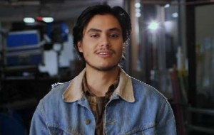 Kiowa Gordon takes questions from THE RED ROAD fans on on Facebook and Twitter. Season 2 premieres Apr. 2 at 10/9c.