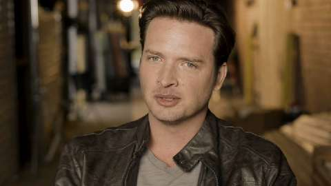 Aden Young takes questions from RECTIFY fans on Facebook and Twitter.