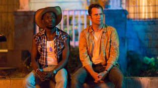 Leonard-Pine-Hap-Collins-Hap-and-Leonard-Episode-201-05-800x450
