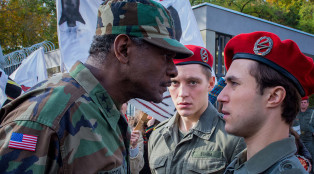 Deutschland 83 General Arnold Jackson (Errol Trotman-Harewood), Martin Rauch/Moritz Stamm (Jonas Nay) and Alex Edel (Ludwig Trepte) in Episode 7