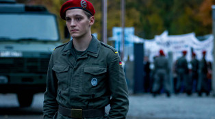 Deutschland 83 Martin Rauch/Moritz Stamm (Jonas Nay) in Episode 7