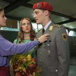 Yvonne Edel (Lisa Tomaschewsky), Linda Seiler (Nikola Kastner) and Martin Rauch/Moritz Stamm (Jonas Nay) in Episode 4.