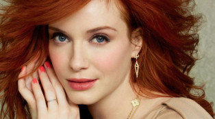 hap-and-leonard_christina-hendricks_700x384
