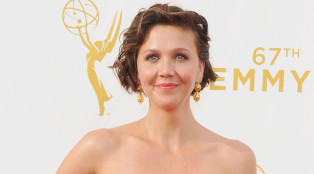 the-honorable-woman_maggie-gyllenhaal_emmys_01_700x384