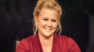 Close_Up_Amy-Schumer_1000x594