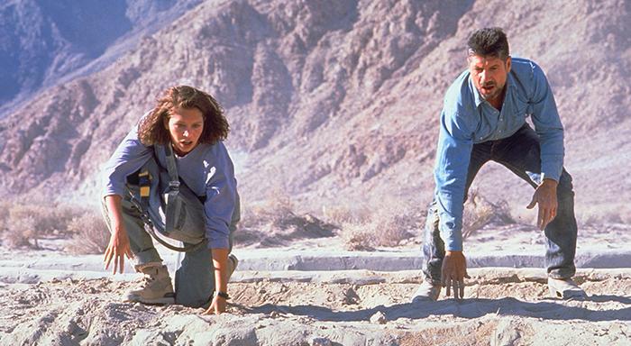 Tremors (1990) 700x324