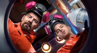 Walt-Jesse-in-the-lab_700x384