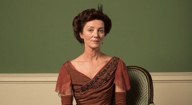 Michelle-Fairley-Dolly-Rebellion-1-800x450