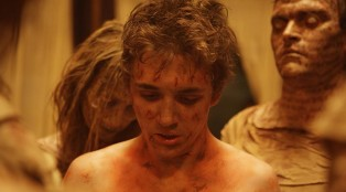 The-haunting-in-Connecticut_02_kyle-gallner_700x384