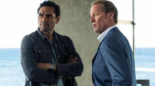 Waruu (Rob Collins) and Slade (Iain Glen) in Episode 5.