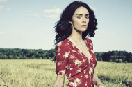 "8 Questions with ""RECTIFY"" Star Abigail Spencer (Amantha Holden)"