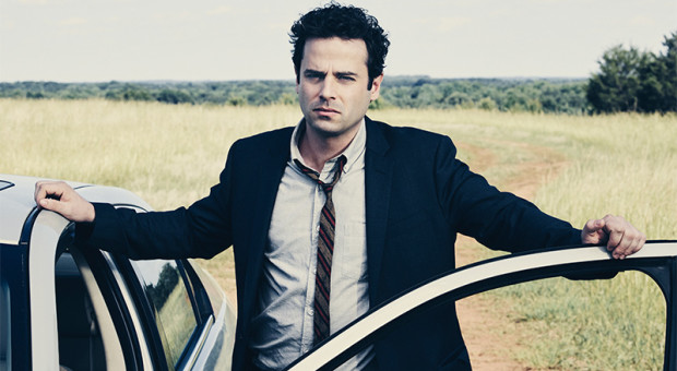"8 Questions with ""RECTIFY"" Star Luke Kirby (Jon Stern)"