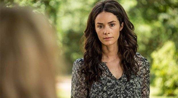 Amantha-Holden-Rectify-Episode-408-03-800x450