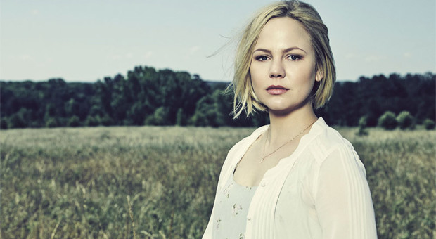 "8 Questions with ""RECTIFY"" Star Adelaide Clemens (Tawney Talbot)"