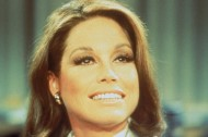 Mary Tyler Moore, Iconic TV Actress, Dies at 80