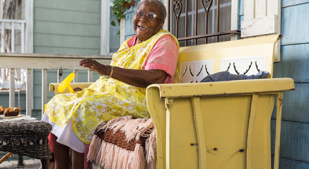 MeMaw-Hap-and-Leonard-Episode-203-15-800x450