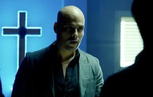 Ciro meets with Conte in the wake of Genny's attack and Pietro's escape.