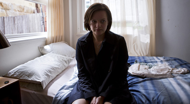 Top-of-the-Lake-China-Girl-Ep-1-Ch-1-16-Robin-Griffin-Elisabeth-Moss-800x450
