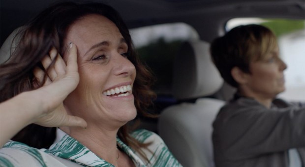 Amy Landecker discusses Sarah's developing relationship with her college girlfriend.