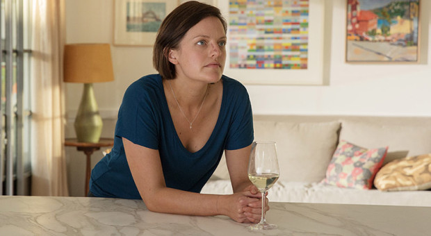 Top-of-the-Lake-China-Girl-Ch-5-22-Robin-Griffin-Elisabeth-Moss-800x450