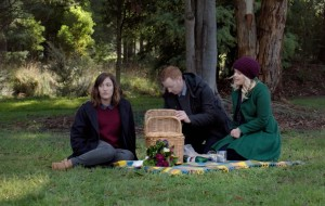 Emma finds herself on a picnic with Daniel and Grace.