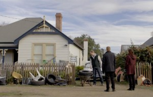 Emma and Daniel try to diffuse an unconventional dispute between neighbors.