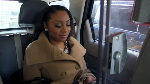 A cab ride gets a little intense when Kenyatta lets out her frustrations on Kelli.