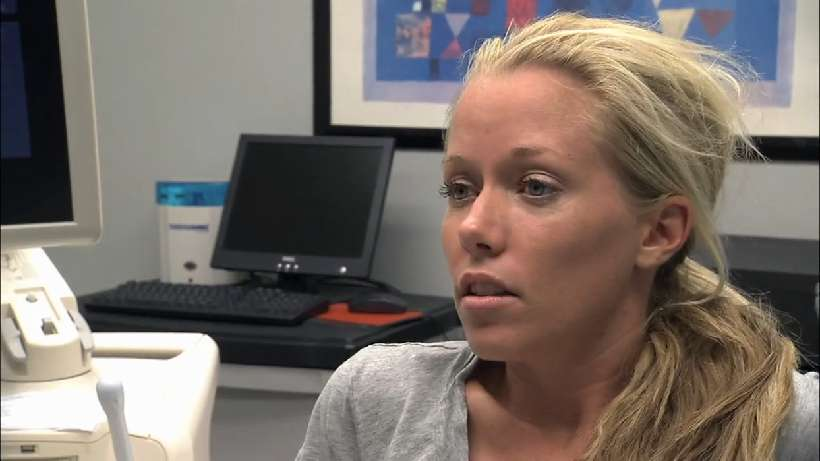 Kendra freaks Jessica out when she starts talking about what it's like to give birth.