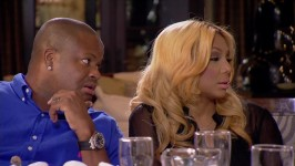 Tamar gets stood up and uses the opportunity to get serious with her parents.