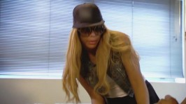 Tamar is trying to figure out the look for her show.