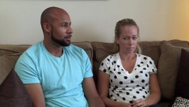 Kendra and Hank go to couples therapy to address Kendra's kissing issue.