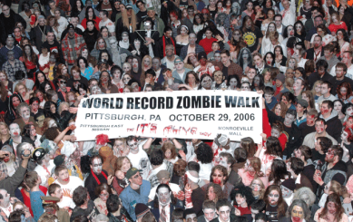 Zombie_walk_Pittsburgh_29_Oct_2006.png