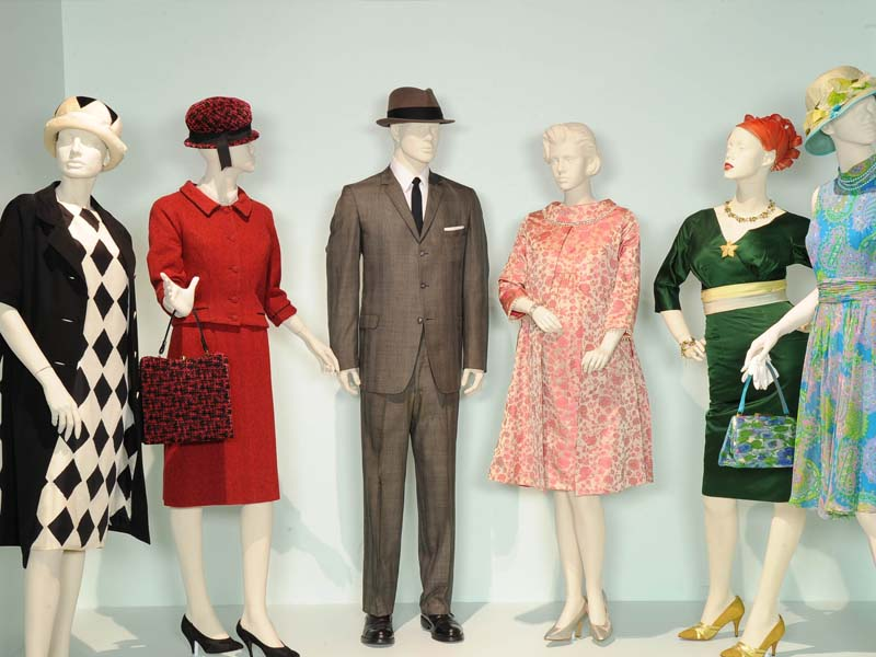 how to become a costume designer for movies