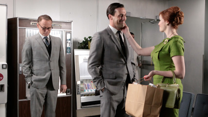 Highlights Episode 306 Mad Men: Guy Walks Into An Advertising Agency