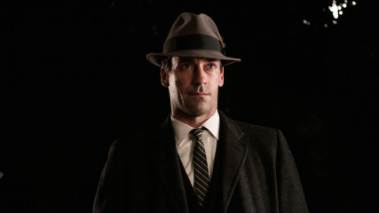 Inside Episode 311 Mad Men: The Gypsy and the Hobo