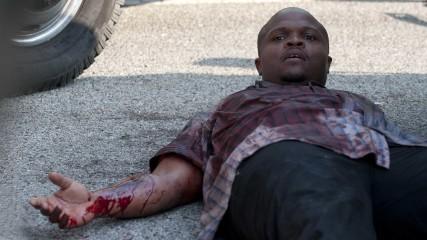 T-Dog Gets Hurt: The Walking Dead