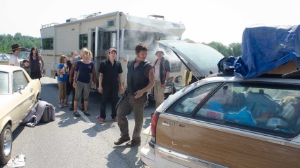Gas Siphoning: The Walking Dead