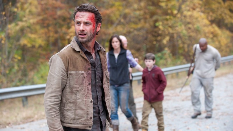 Inside Episode 213 The Walking Dead: Beside The Dying Fire
