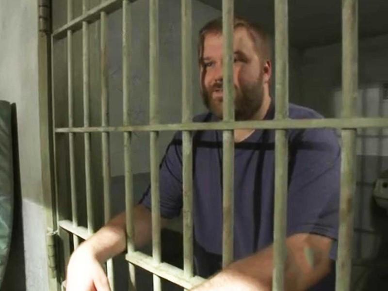 TWD-S3-prison-tour