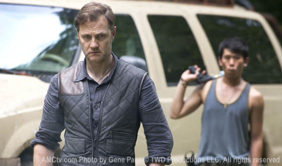 twd-s3-first-look-governor-560.jpg