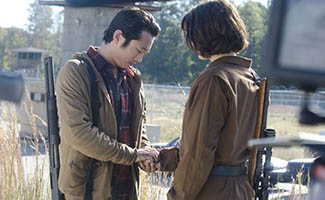 TWD-Episode-315-Glenn-Maggie-325.jpg