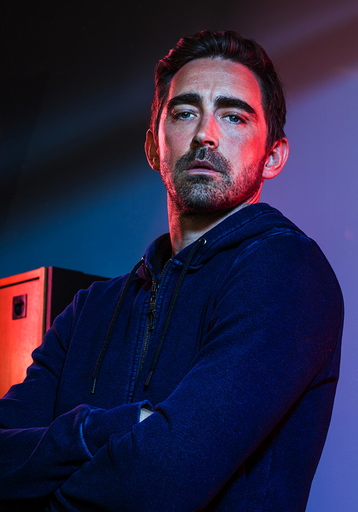 Halt-and-catch-fire-season-4_Portrait_Lee_pace-joe-macmillan-800×600