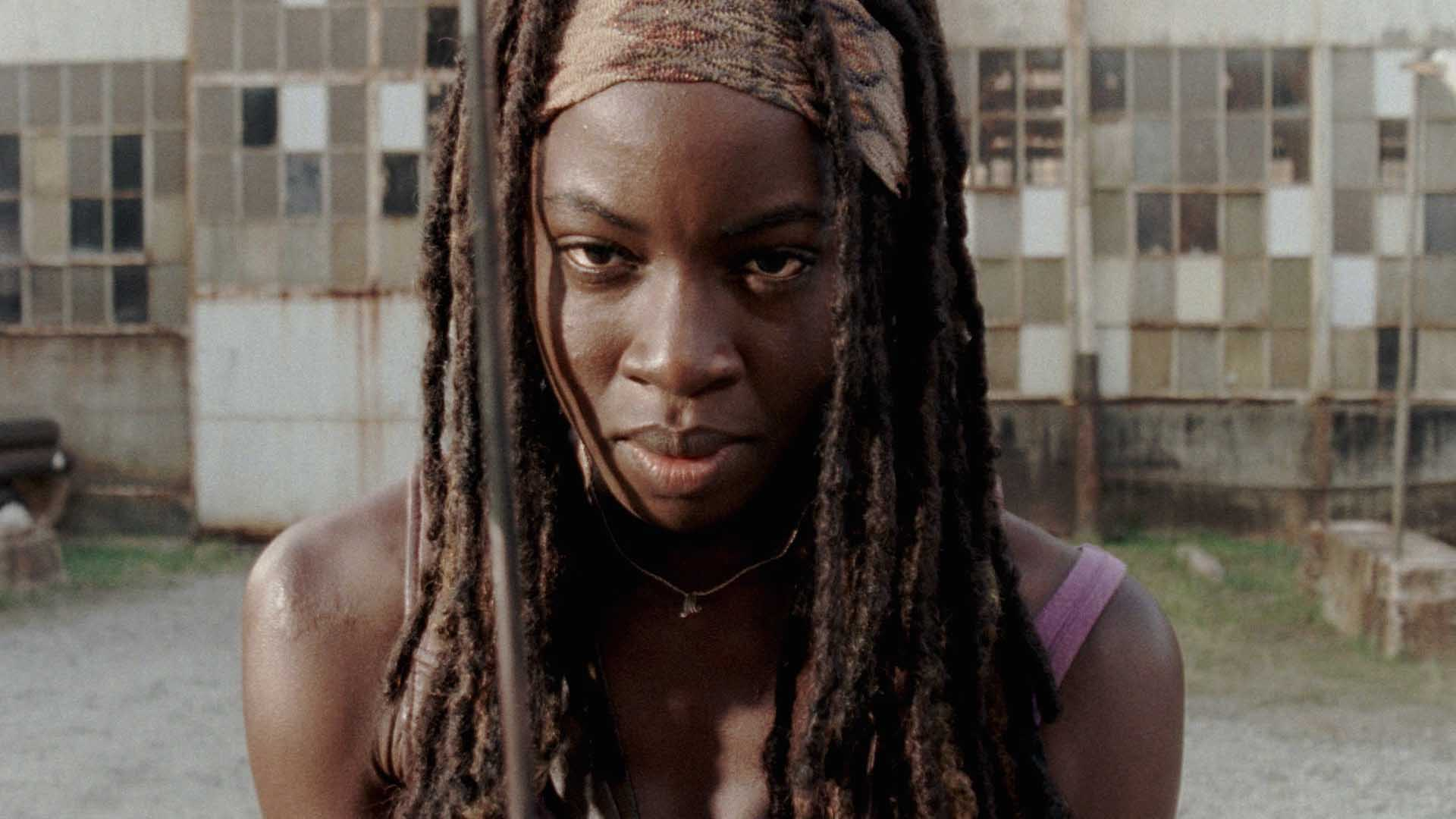 The Dead Cup Champion (2018)  AMC_TWD_S5A_PP05_OnSetWith_DanaiGurira
