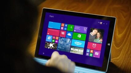 Microsoft Surface Promo: The Walking Dead