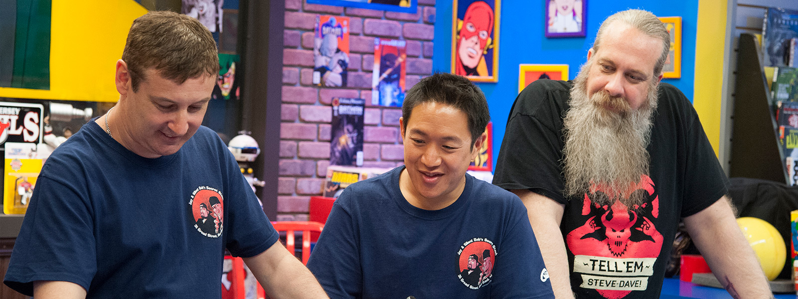 comic-book-men-episode-402-walt-ming-bryan-800×600