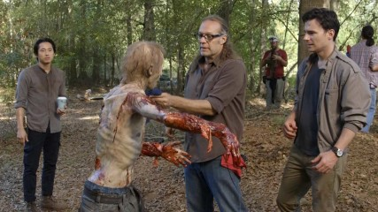 (SPOILERS) Making of Episode 512: The Walking Dead: Remember